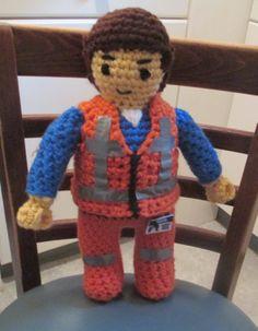 Crochet Toys For Boys Crochet Emmet From the Lego Movie. For my Granddaughter Anika. Crochet Lego, Crochet Dolls, Crochet Yarn, Crocheted Toys, Crochet Crafts, Crochet For Boys, Learn To Crochet, Emmet Lego, Easy Crochet Patterns
