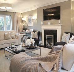 on Insta Web Viewer Living Room Modern, Home Living Room, Living Room Designs, Living Room Decor, Living Spaces, Elegant Home Decor, Elegant Homes, Interior Exterior, Interior Design