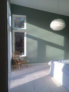 Fjäderlampa tant johannas gröna bedroom Living Room, House, Interior, Home, 50s Bedroom, Colours, Bedroom Green, Home Deco, Bedroom