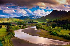 Tuki Tuki Hills (with the Tukituki River and Te Mata Peak in back), near Havelock North, Hawkes Bay, North Island, New Zealand
