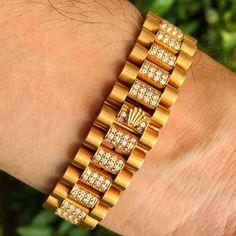 Rolex Wrist of 👍🏻. Use hashtag ♛ ♛ ------------------------------------------- Gents Bracelet, Mens Diamond Bracelet, Rolex Bracelet, Mens Gold Bracelets, Mens Gold Jewelry, Hand Jewelry, Handmade Bracelets, Bangle Bracelets, Bracelet Men