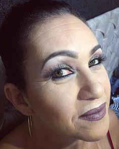 A beleza em pele madura requer alguns cuidados básicos que fazem toda a diferença no resultado final e acabamento da maquiagem. Obrigado mãe, por me permitir ter feito parte deste dia tão especial �� TE AMO MUITO ♥️ #jvitormakeup #makeovers #amorpeloquefaço #obrigadoDeus #gratidao  #make #makeup #maquiagem #maquiagembrasill #instamakeup #cosmetics #eyeshadow #lipstick #gloss#mascara #palletes #eyerline #lip #lips #tar #foundation #powders #eyes #lashes #lash #primers #beauty #beautiful…