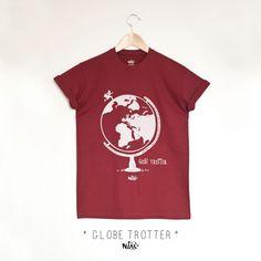 937582c827d61 Tshirt homme manches courtes et col rond rouge bordeaux imprimé GLOBE  TROTTER, sérigraphie originale et artisanale par Niak original, une bonne  idée de ...