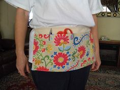 I need one of these for when I teach art and sew. Just like I used to wear as a manager of Hancock Fabrics 20 years ago, but prettier!