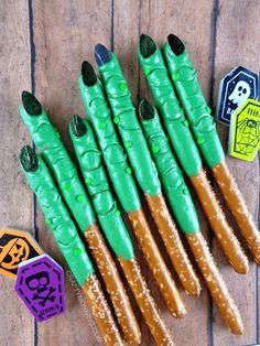 Halloween Brownies, Halloween Desserts, Halloween Cupcakes, Spooky Halloween, Buffet Halloween, Bonbon Halloween, Halloween Pretzels, Halloween Snacks For Kids, Halloween Treats For Kids
