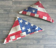 2 Triangle Hats, U. Flag Print, Vintage Style, for collectible teddies & dolls Vintage Style, Vintage Fashion, Tiny Teddies, Kinds Of Fabric, Antique Dolls, Triangle, Shabby Chic, Old Things, Plush