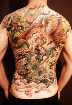 Here we collect the list of 40 Best Phoenix Tattoo Designs For Boys And Girls. The phoenix stands for resurrection and so the phoenix tattoo is incredibly fashionable. Tattoos For Guys Badass, Dragon Tattoos For Men, Back Tattoos For Guys, Dragon Tattoo Designs, Tattoo Designs Men, Backpiece Tattoo, Phönix Tattoo, Herz Tattoo, Henna Tattoos