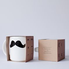 mug packaging template Gift Packaging, Packaging Design, Diy Becher, Gift Wrapping Techniques, Paper Box Template, Coffee Box, Diy Mugs, Sharpie Mugs, Tea Box