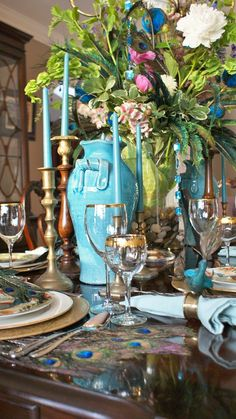 Pretty table colors and centerpiece