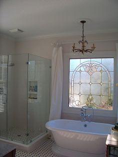 new tub, frameless shower