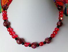 Ketten kurz - Glasperlenkette rot - ein Designerstück von Kreativ-Werkstatt-Heidi-H bei DaWanda