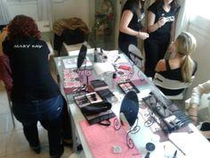 Un gran curso de maquillaje!  Cómo hacer una base perfecta! ;-)