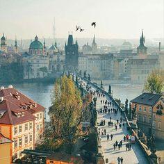 ✴ Charle's Bridge, Prague, Czech Republic... Photo from @vetrana!