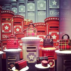 Dior at Harrods Display Window, Shop Window Displays, Product Display, Shop Windows, Visual Display, Window Dressings, Window Shopping, Store Fronts, Deco