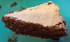 Denne kage kaldes himmerigskagen, og det er der en grundt til. Smelter næsten i din mund, let og luftig kage, og smagen får englene til at synge.