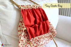 Bolsa super charmosa feita com tecido do macazinhas importado e alcas de bambu. R$28,00