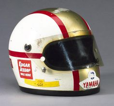 Picture of a Mike Hailwood's 1978 race-used red, white and gold Bell Star II motorcycle helmet, in the Motorbase gallery of car pictures. Motorcycle Helmet Design, Racing Helmets, Bike Helmets, Vintage Helmet, Vintage Racing, Arai Helmets, Sports Helmet, Cool Gear, Cool Motorcycles