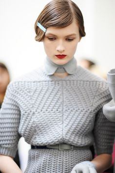 bienenkiste: Lara Mullen @ Cacharel Fall 2012 backstage by. Knit Fashion, Look Fashion, High Fashion, Womens Fashion, Fashion Shoes, Retro Mode, Mode Vintage, Moda Crochet, Outfits Mujer