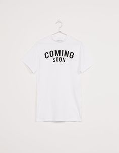 Camiseta larga cuello Perkins 'Coming Soon' - Camisetas - Bershka Mexico
