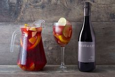 Sangria can be the perfect drink to quench your thirst on a hot day. The beautiful colours and the fresh fruit flavours make it ideal for any picnic. Fruity Sangria Recipe, Sangria Recipes, Summer Pool Party, Lime Wedge, Cheese Platters, Ginger Ale, The Fresh, Fresh Fruit, Wines