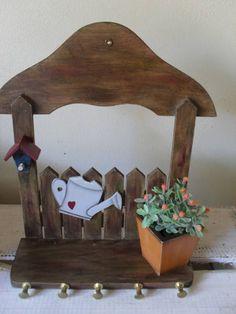 Porta chaves em mdf e pintura country, pode ser feito em outras cores a pedido do cliente.
