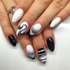 Fekete fehér műköröm