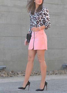 Short pink skirt, lovely stilettos and nice legs