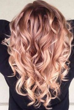 Brilliant Rose Gold Hair Color Ideas Trend 2018 09 The most beautiful hair ideas, the most trend hai Cool Hair Color, Ombre Hair Color, Beautiful Hair Color, Winter Hairstyles, Cool Hairstyles, Latest Hairstyles, Hairstyle Ideas, Cabelo Rose Gold, Gold Hair Colors