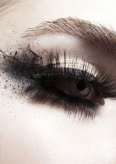 Make-up: Rachel Montgomery Photographer: Sebastian Kriete Glam Makeup, Love Makeup, Beauty Makeup, Makeup Looks, Hair Makeup, Hair Beauty, Unique Makeup, Gorgeous Makeup, Makeup Art