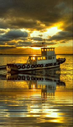 barco mar sereno gif