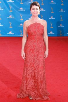 Ladies in red at the Emmys - Maura Tierney and Jenna Fischer