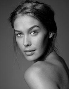 Megan Gale. Australian model come celebrity.
