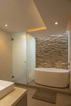 Bathroom of romero de la mora, modern- Badezimmer von romero de la mora , modern Bathroom of ROMERO DE LA MORA - Bathroom Spa, Bathroom Layout, Bathroom Interior Design, Bathroom Ideas, Bathroom Showers, Bathroom Lighting, Contemporary Bathrooms, Modern Bathroom, Luxury Shower