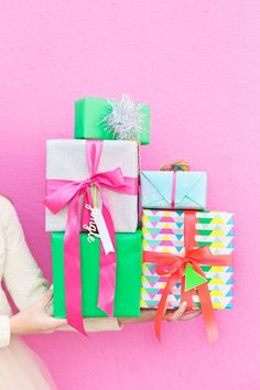 Four Awesome Holiday Gift Wrap Pairings | http://studiodiy.com
