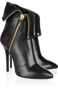 Love these leather zip ankle boots by designer, Giuseppe Zanotti.