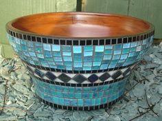 pots in mosaic ile ilgili görsel sonucu Mosaic Planters, Mosaic Flower Pots, Mosaic Vase, Painted Flower Pots, Mosaic Garden, Flower Wall, Mosaic Tiles, Mosaics, Mosaic Crafts