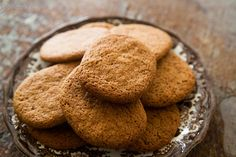 Crispy cinnamon snap cookies packed with ground cinnamon and sweetened with honey.