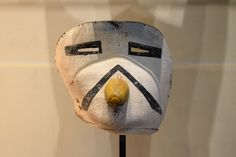 PARIS.- The Kwaakatsina sacred mask of the Hopi Arizonas Indian tribe. 70 masks will be auctioned on April 12, 2013 despite the fact that two museums of Arizona and the Hopi tribe asked for its cancellation. AFP PHOTO / MIGUEL MEDINA.