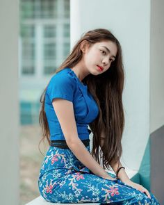 Beautiful Asian Girls, Beautiful Women, Myanmar Women, Cute Cups, Beautiful Celebrities, Asian Woman, Asian Beauty, How To Look Better, Short Sleeve Dresses