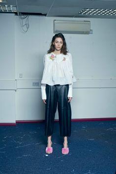 http://www.vogue.com/fashion-shows/pre-fall-2017/natasha-zinko/slideshow/collection