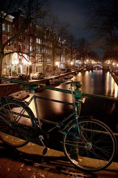 Amsterdam at night    Meg it looks just like the picture you took.  Wonder if it's the same bike