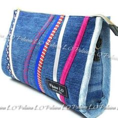 Idea for jeans Patchwork Bags, Quilted Bag, Denim Ideas, Recycle Jeans, Recycled Denim, Denim Bag, Zipper Pouch, Bag Making, Cosmetic Bag