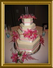 This fabulous #wedding #cake is from Spoon Fulla Sugar in Montgomery.