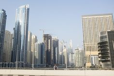 Dubai tenant wants lower rent on apartment facing construction, but landlord wants to raise it