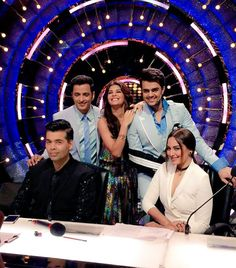 Had a great time with these shiny happy ppl on @JhalakOnColors yesterday! Dont miss this rocking episode!!! #Akira