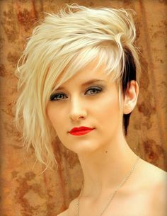 Man this is awesome, but I'm not brave enough! Lovely and Attractive Platinum Blonde with Black Tailings at the One Side. Hair cuts with coloring ideas Messy Pixie Cuts, Short Hair Cuts, Short Hair Styles, Edgy Pixie, Long Pixie, Haircut For Thick Hair, Funky Hairstyles, Pixie Haircuts, Hairstyles Haircuts