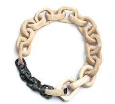 gioielli con resina naturale | Nelli Tanner, direttrice della Jewellery Art, indica ulteriori ...
