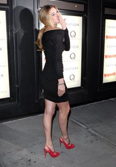 Doutzen Kroes at the premiere of the Runaways wearing Tony Cohen