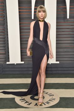 Vanity Fair Oscars Party, Taylor Swift~~ Taylor Swift Rocks One of Her Sexiest, Most Skin-Baring Looks Yet at the 2016 Vanity Fair Oscar Party Taylor Swift Hot, Style Taylor Swift, Red Taylor, Taylor Swift Dresses, Taylor Swift Fashion, Graydon Carter, Nice Dresses, Prom Dresses, Summer Dresses