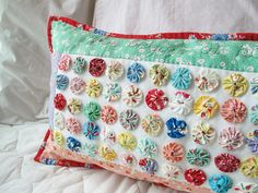 yoyo pillow by zakkaart, via Flickr
